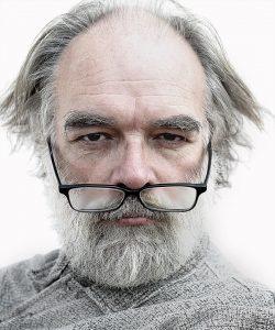 Portrait homme lunettes Paris Kodak Express