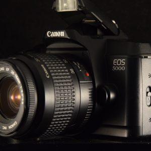 APPAREIL PHOTO ARGENTIQUE CANON EOS 5000